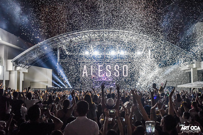 Alesso at The Palace Pool Club (36)