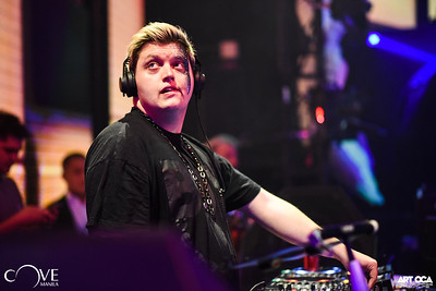 Flux Pavilion at Cove Manila (1)