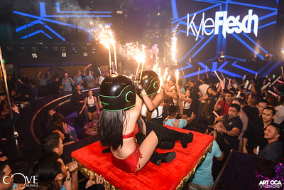 Kyle Flesch at Cove Manila (7)