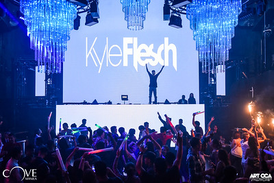 Kyle Flesch at Cove Manila (6)