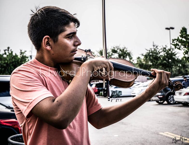 Loris Adrian... The Italian Street Violinist