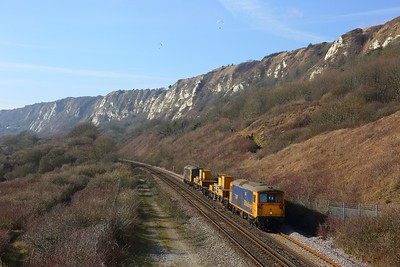 73107+73119 on the 3Y74 Tonbridge West yard circular via Dover Priory at Capel le Ferne nearing Dover on the 18th February 2018