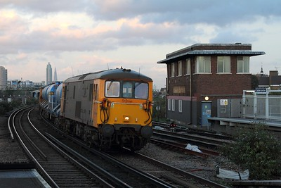 73128+73109 on the 3W90 0707 Tonbridge West Yard circular via Horsham, Uckfield and London Victoria at Clapham on the 16th October 2016