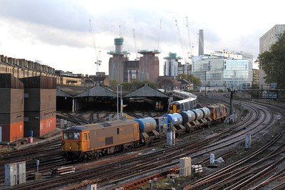 73107+73212 on the 3W75 1436 Tonbridge West Yard circular via London Victoria twice and Sole Street passing Grosvenor carriage sidings on the 16th October 2016
