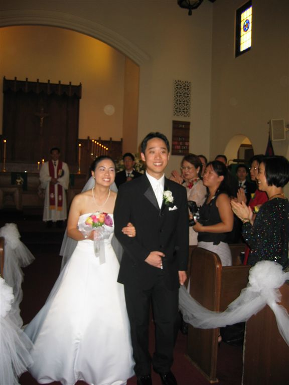 Bride & groom in aisle @ Ceremony