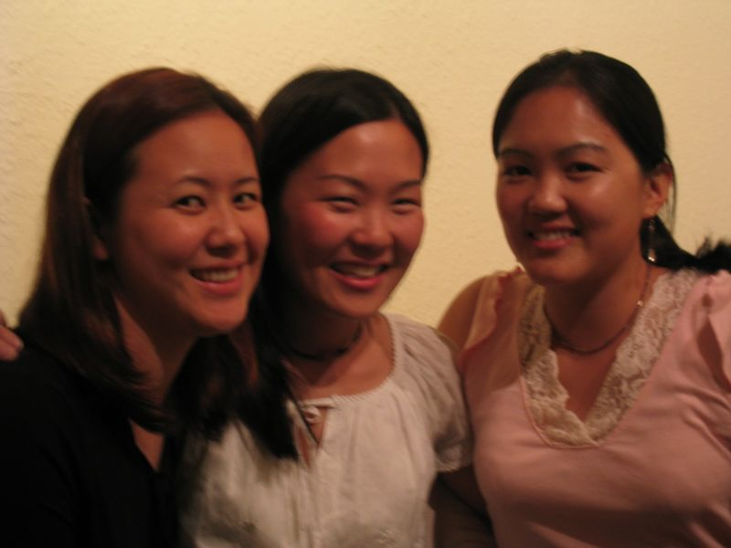 2003 09 05 Friday - Joanna Chi, Leslie Lin, Bernice Chen without flash