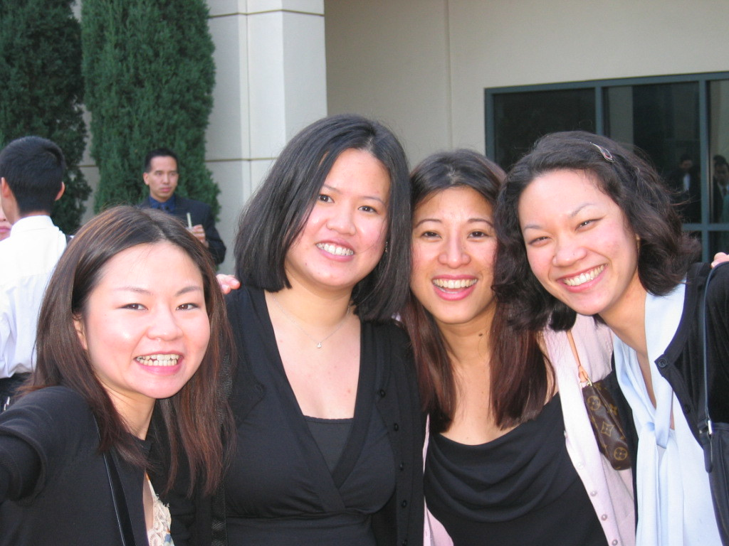 Kelly, Eve, Josephine, & Emy outside