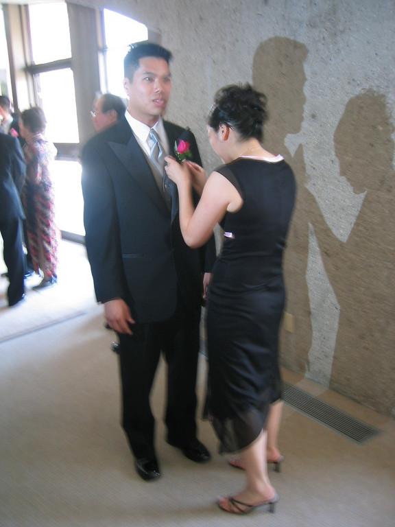 Ceremony - Groom's last minute prep