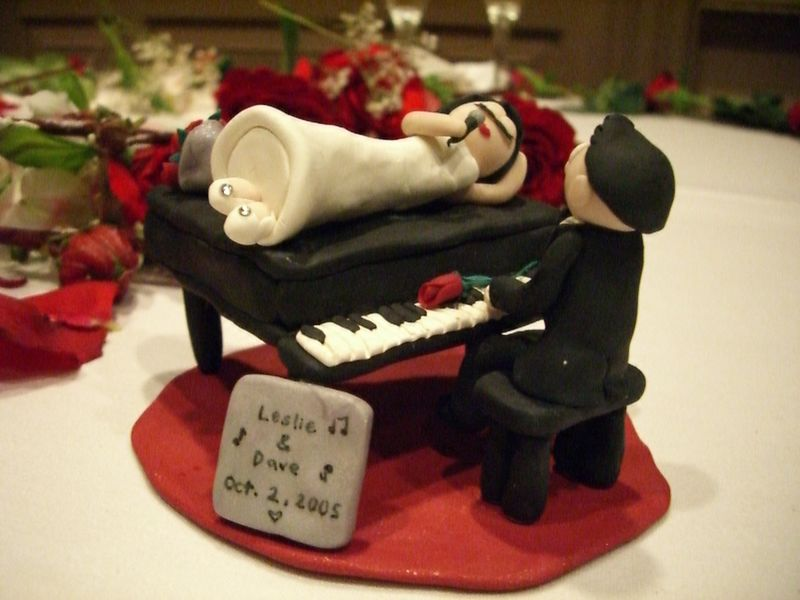 Jessica Low's Custom Cake Ornament 1