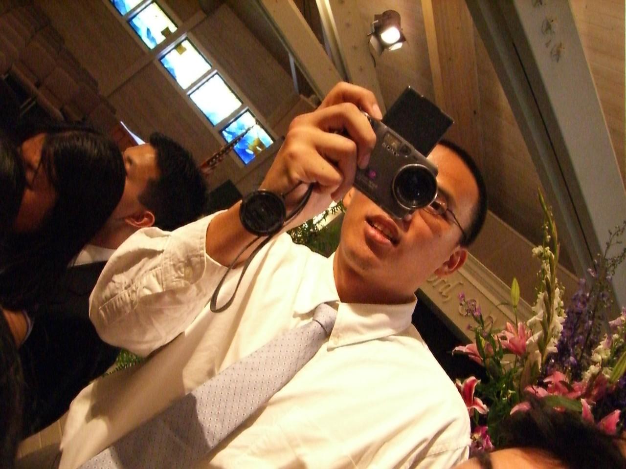 2006 06 18 Sun - Pigeon Po-Wei Chen