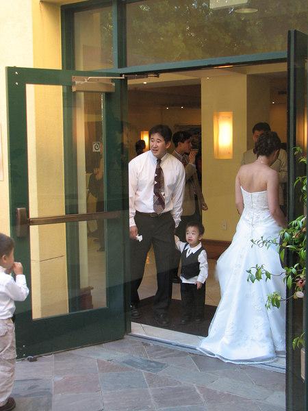 2006 10 08 Sun - Reception - Joanna Sun and kids