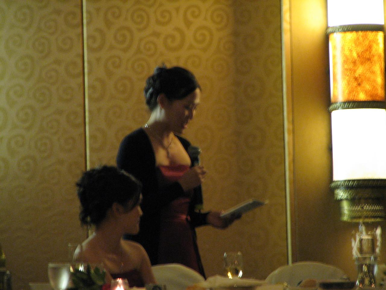 2006 10 08 Sun - Reception - Leslie Lee's toast & Bernice Chen