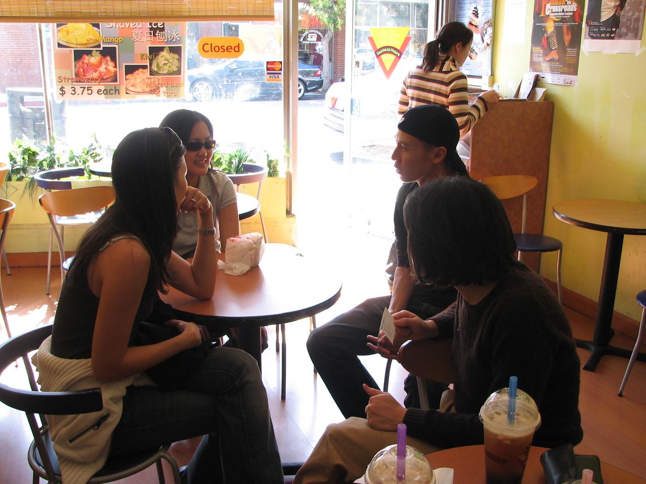2006 10 07 Sat - Old EFC'ers post lunch boba @ Café Verde in MV - Leslie Lee, Bernice Chen, Dave Lee, & Susan Lien