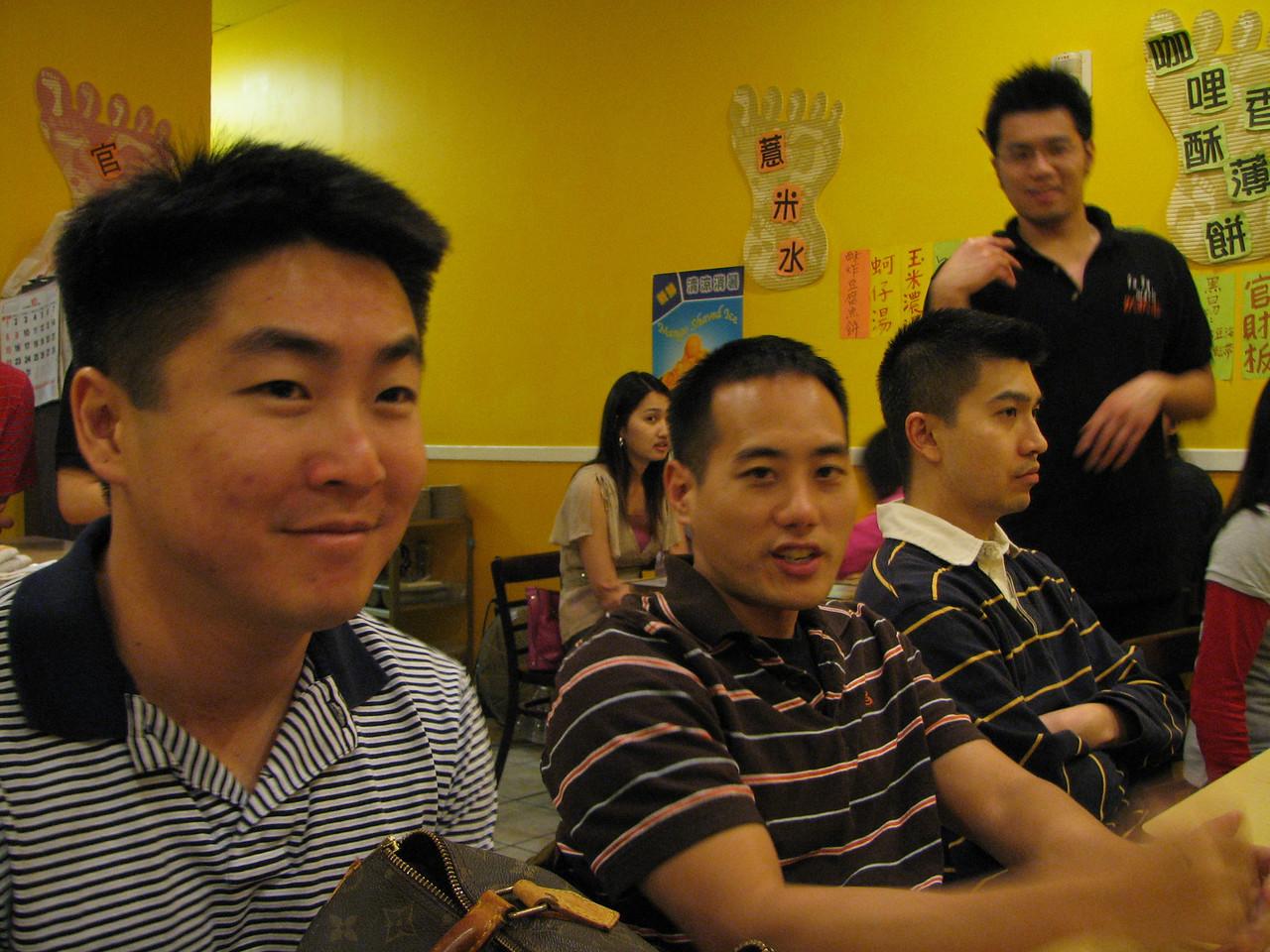 2006 10 29 Sun - Dean Chang & his LV purse, Jimmy Chen & his live in partner Yu-Tsun Cheng 1