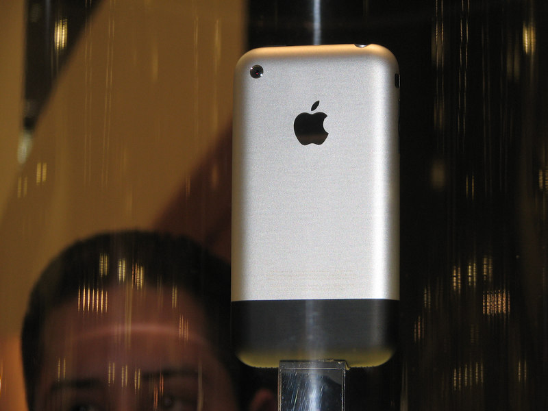 2007 01 12 Fri - Apple iPhone @ Macworld 2007 in SF
