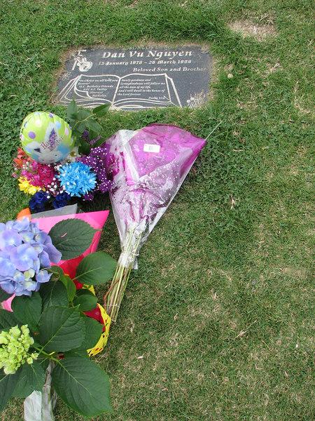 2007 03 26 Mon - Dan Nguyen's gravesite @ Rose Hills cemetary 2