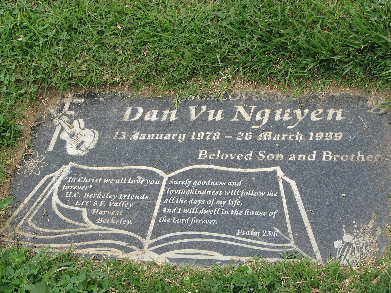 2007 03 26 Mon - Dan Nguyen's gravesite @ Rose Hills cemetary 3