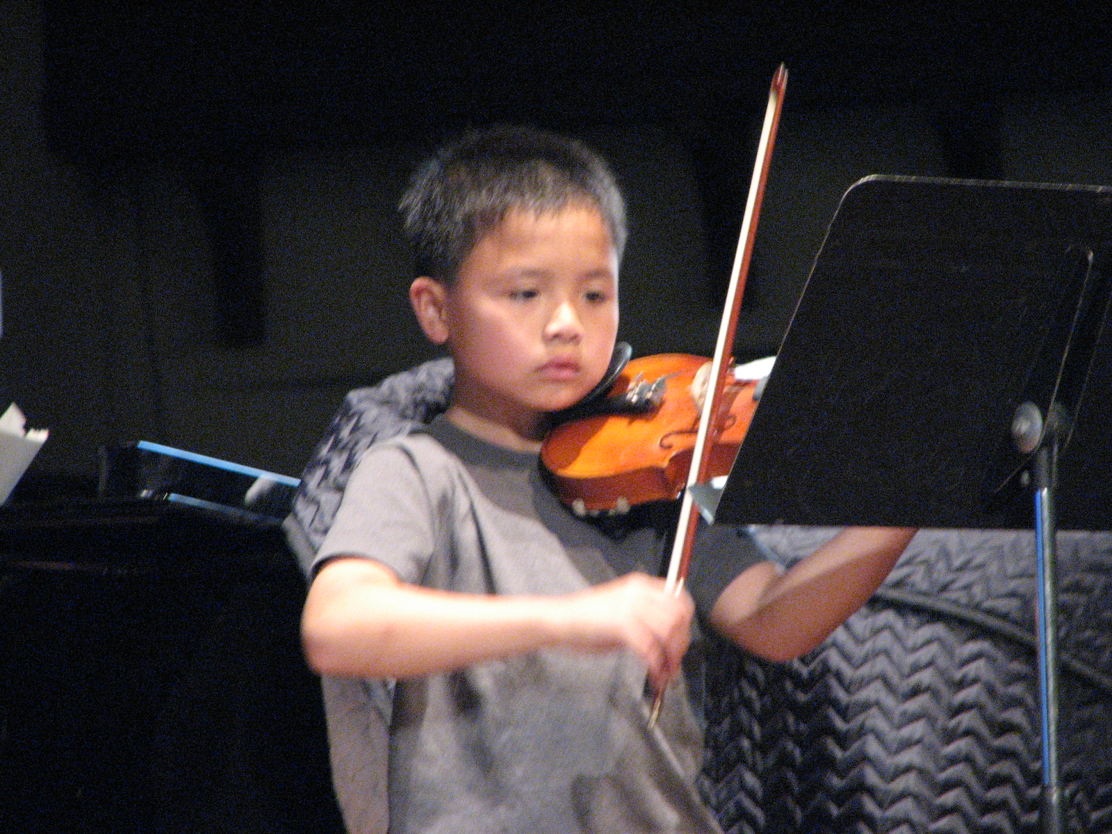 2007 05 18 Fri - Rehearsal - Lil' Samuel Kwong playing violin