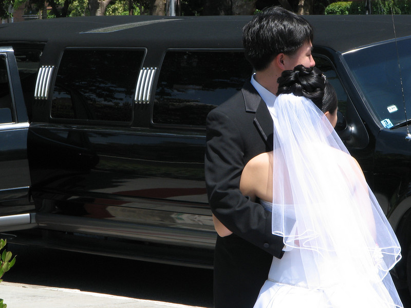 2007 05 19 Sat - Stephen & Cynthia Chang outside church 7 - Bride, groom, & limo 1