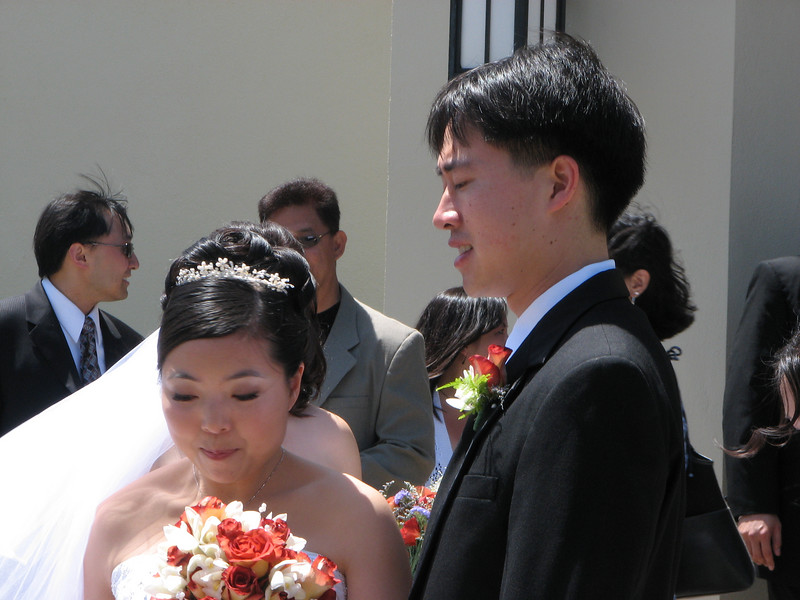 2007 05 19 Sat - Stephen & Cynthia Chang outside church 2