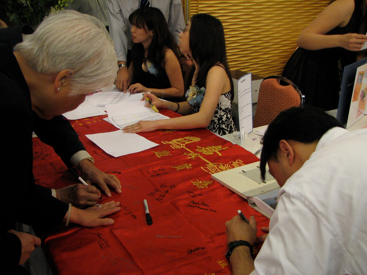 2007 05 19 Sat - Reception - Guests signing the silk cloth