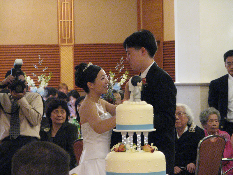 2007 05 19 Sat - Reception - Bride & Groom 1st dance behind cake 2