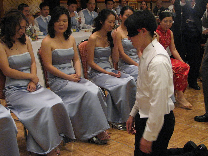 2007 05 19 Sat - Reception - Stephen Chang feels bridesmaids' feet 4