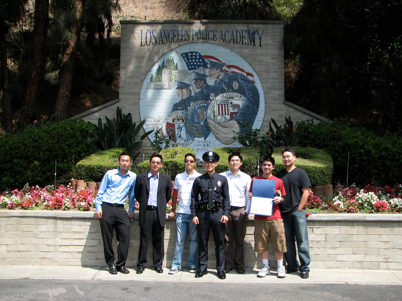 2007 05 25 Fri - LAPD Police Academy mural, friends, & family jpg