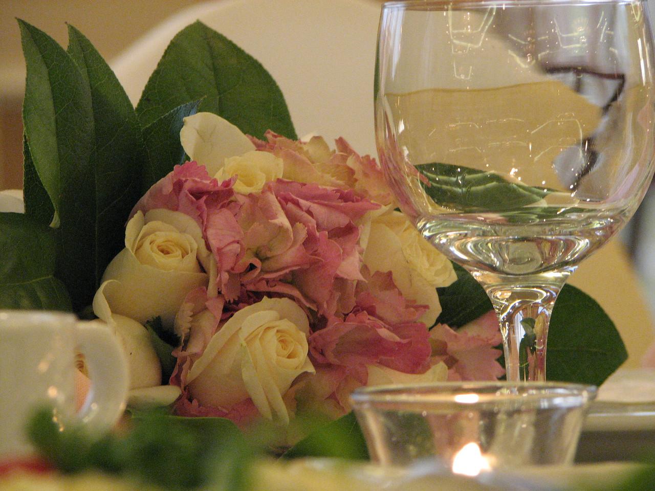 2007 06 09 Sat - Bridal toss bouquet