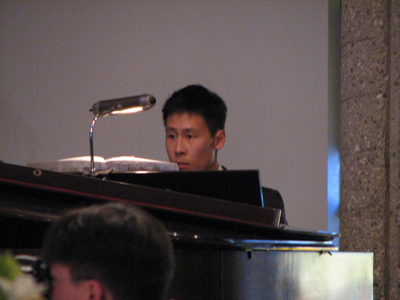2007 06 09 Sat - Pianist - Dave Lee 1