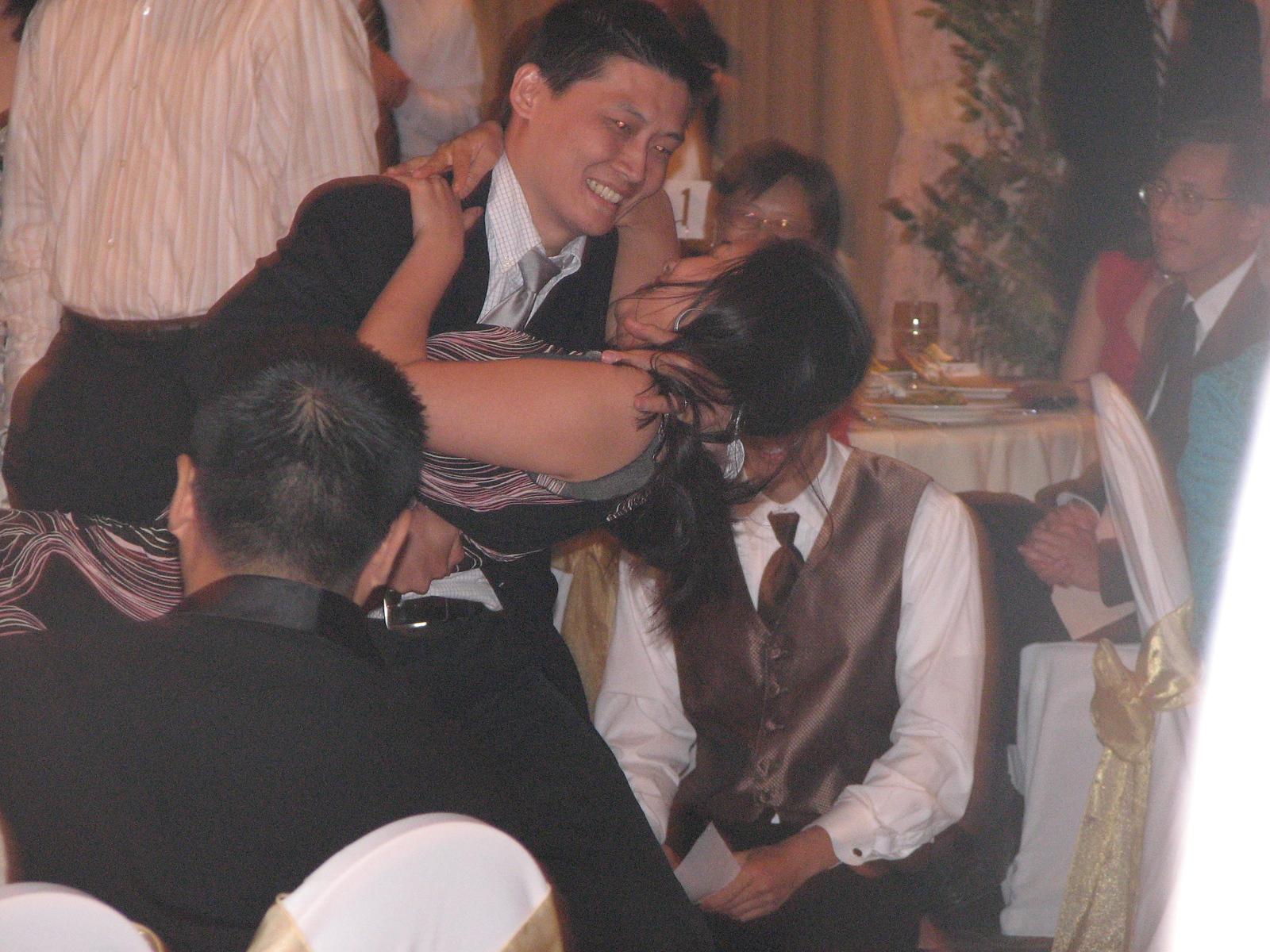 2007 06 09 Sat - Cal vs  UCLA kissoff - Mike & Brittany Chen