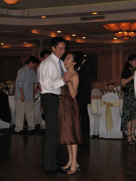 2007 06 09 Sat - Tony & Melissa Fong slow dancing