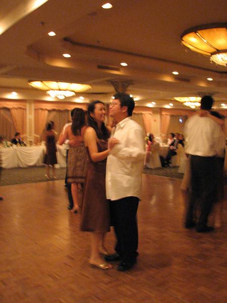 2007 06 09 Sat - Hege & Andrew Gi slow dancing