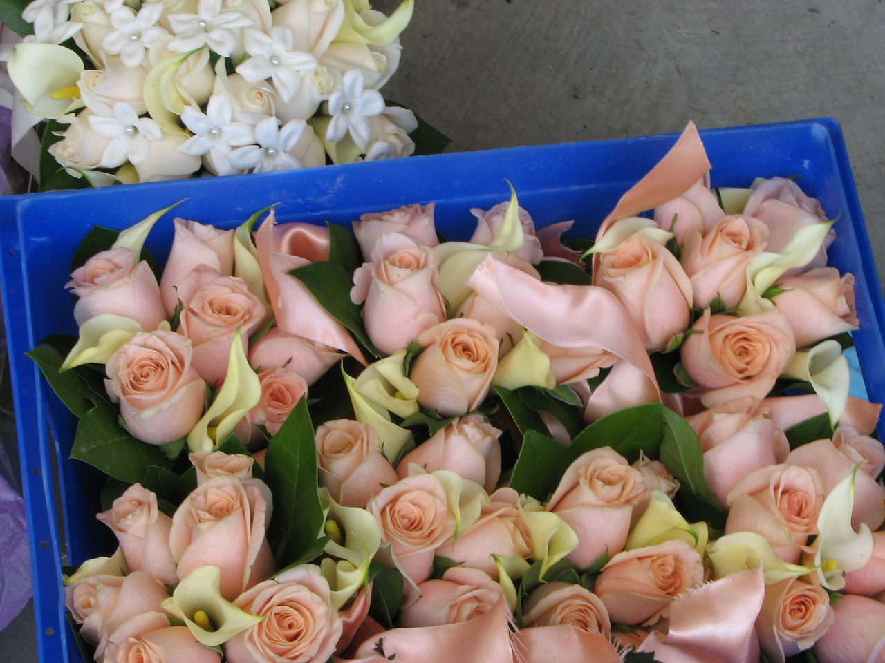 2007 06 09 Sat - Bridesmaid & bridal bouquet