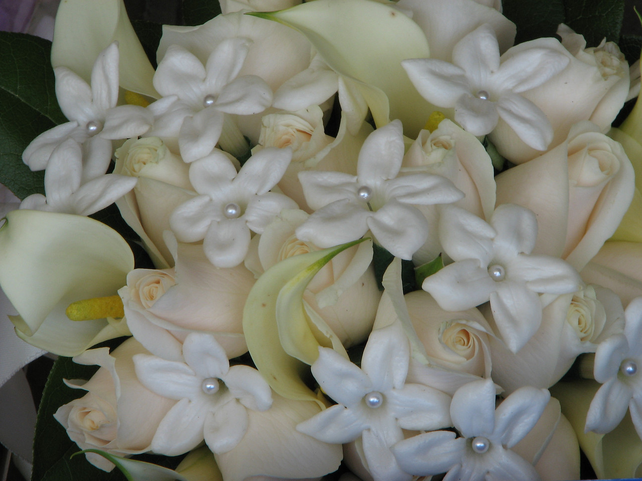 2007 06 09 Sat - Bridal bouquet up close