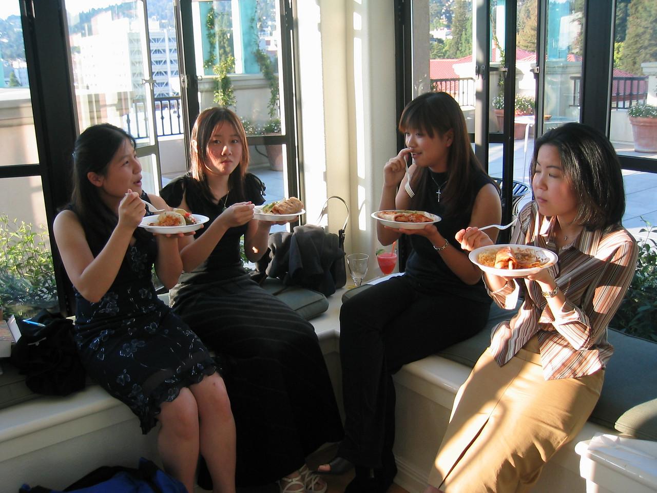 Da' ladies corner - May, Stephanie, Rita, & Lydia