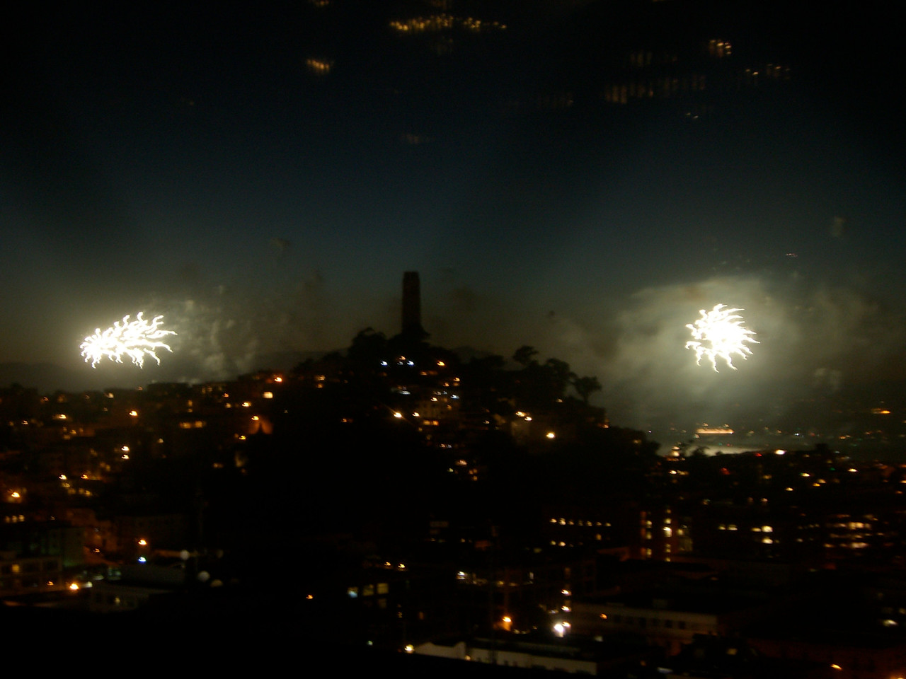 2006 07 04 Tue - Fireworks from Jane's rooftop 2