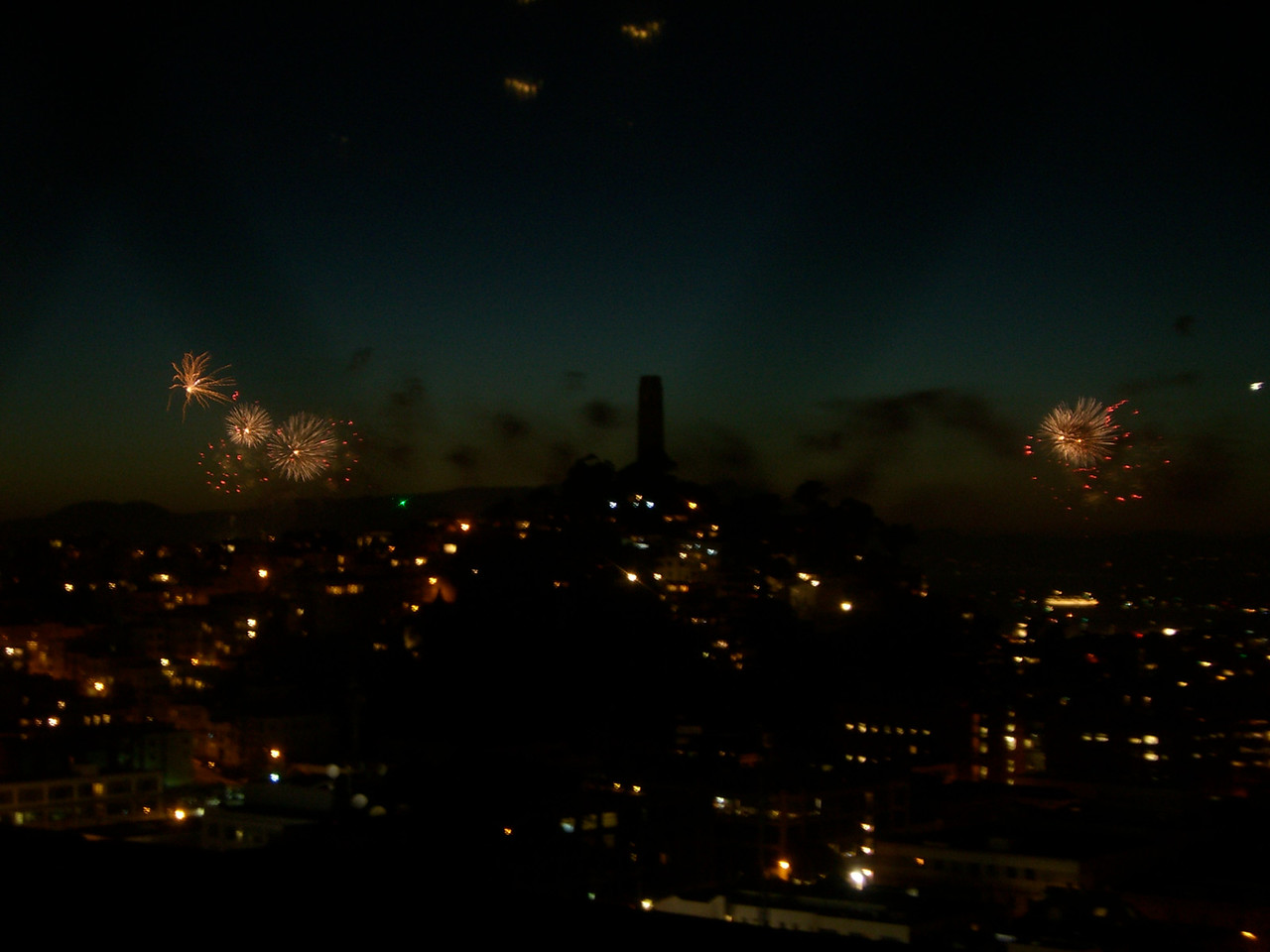 2006 07 04 Tue - Fireworks from Jane's rooftop 1