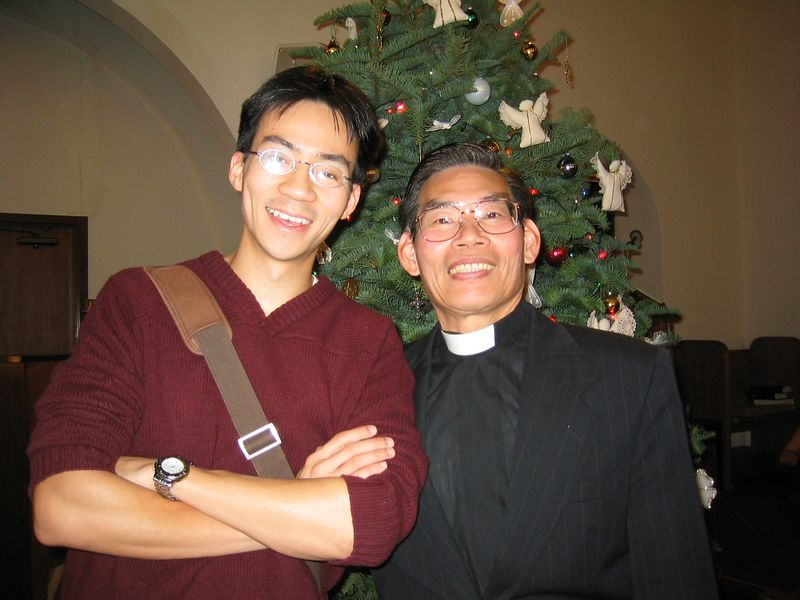 Ben Yu and Pastor Chen with flash