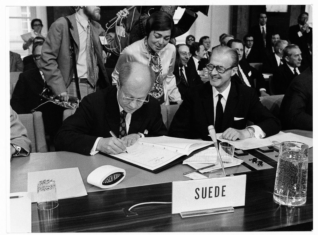 1972 73 Signing Of Trade Agreements With The Eec Eftasecretariat
