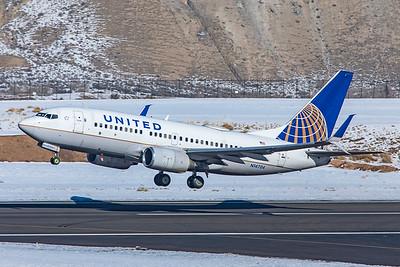 United Airlines Boeing 737-724 N14704 1-8-21 4