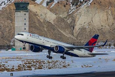 Delta Air Lines Boeing 757-232 N685DA 1-8-21 4