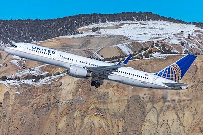United Airlines Boeing 757-224 N48127 1-8-21 2