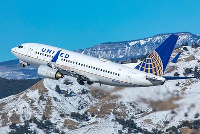 United Airlines Boeing 737-724 N14704 1-8-21 2