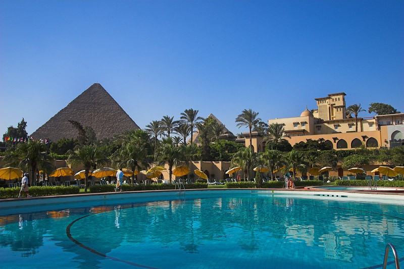 The Mena House Oberoi<br /> Pool & Pyramids View