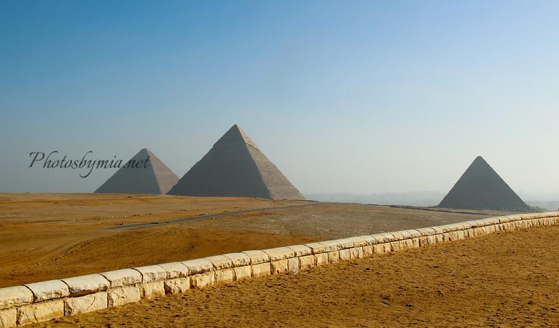Three pyramids_9