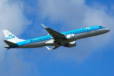 KLM Cityhopper Embraer 190-100STD PH-EZS 9-27-15