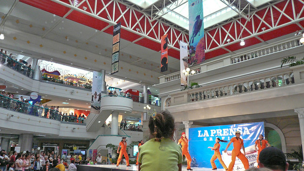 At the mall...   A show produced by sponsors of La Prensa Grafica- a local newspaper