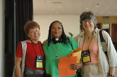 Cindy Cowen, Pr. Victoria Hamilton and Janet Brewer