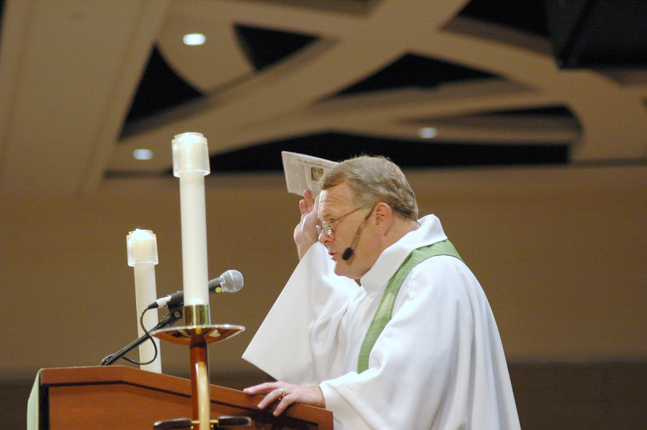 Bp. E. Roy Riley, New Jersey Synod, preacher at the closing worship (Aug. 14), kept a news story on the famine in Niger with him throughout the Churchwide Assembly.